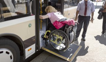 «Les bus peu accessibles»
