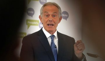 Echanges hostiles entre Blair et May
