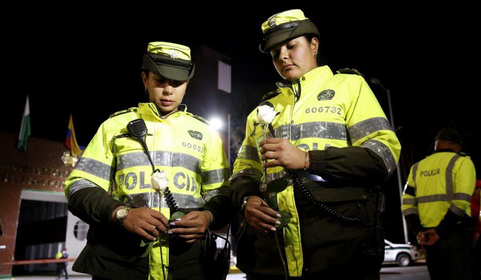 10 morts et 65 blessés dans un attentat à Bogota — Colombie