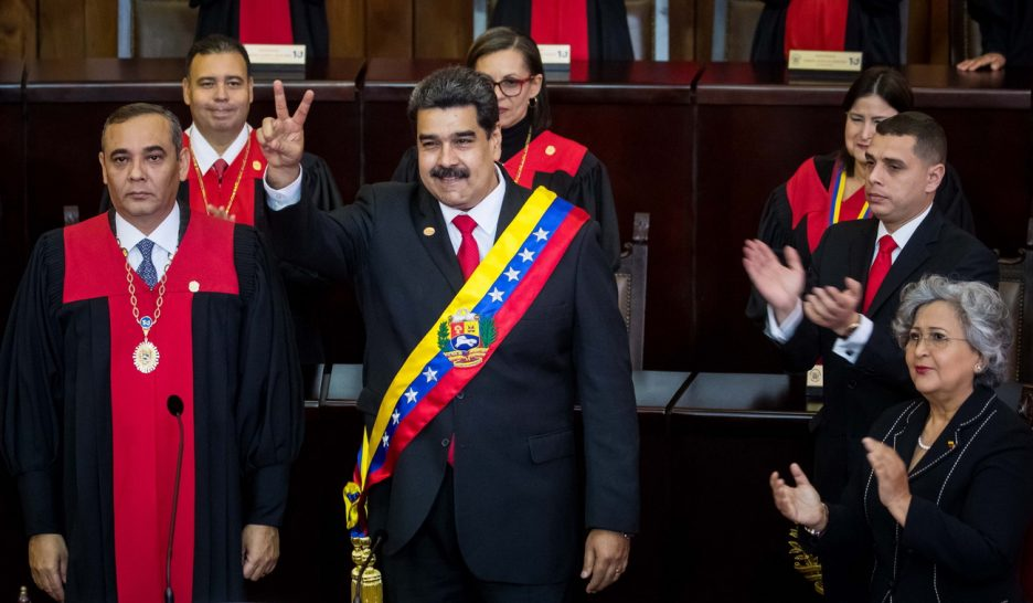Seconde investiture pour un Nicolas Maduro affaibli
