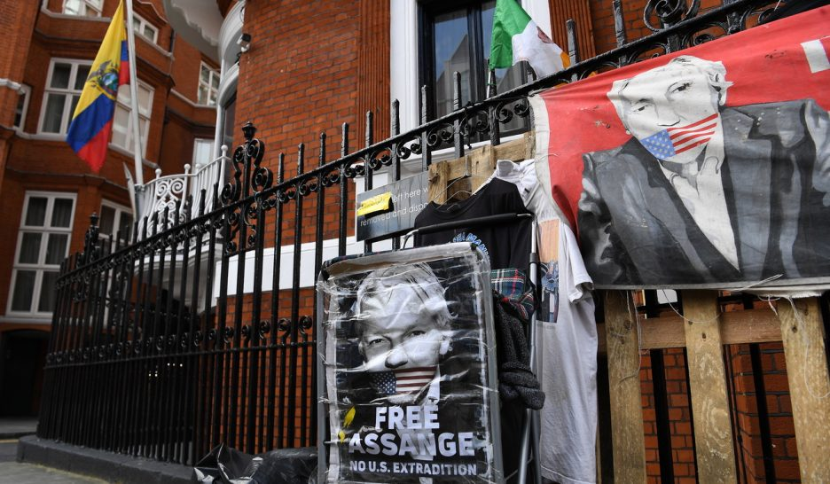 Julian Assange lâché par Quito