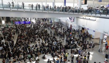 Sit-in à l'aéroport de Hong Kong