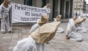 Action de protestation devant Credit Suisse